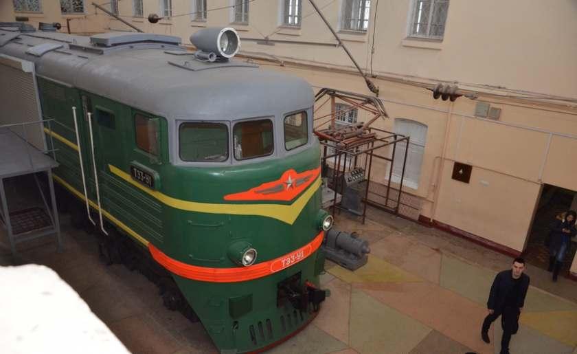 Университет железнодорожного транспорта готовит специалистов будущего tempus iv в Харькове небольшая экскурсия по университету железнодорожного транспорта