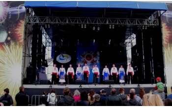Выдающиеся народные коллективы выступили в Изюме и Купянске